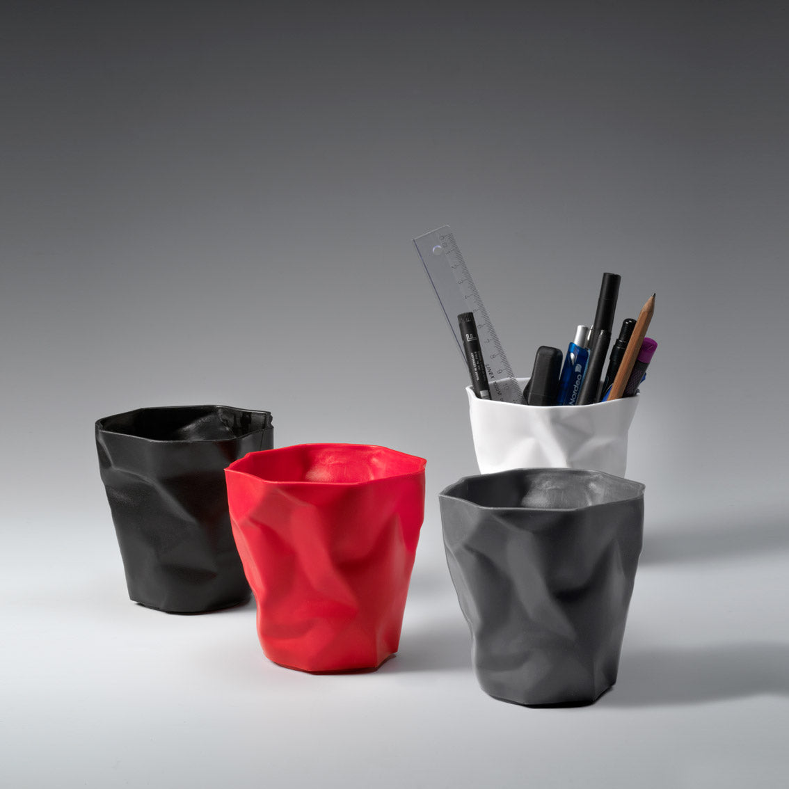 Essey: Pen Holder by John Brauer - Graphite (ES-PPGT)