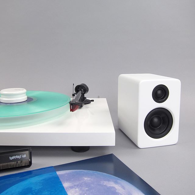 Kanto: S2 Desktop Speaker Stands for YU2  (White / Pair)