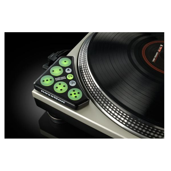 Novation: Dicer Digital DJ Controller (Pair) on technics 1200