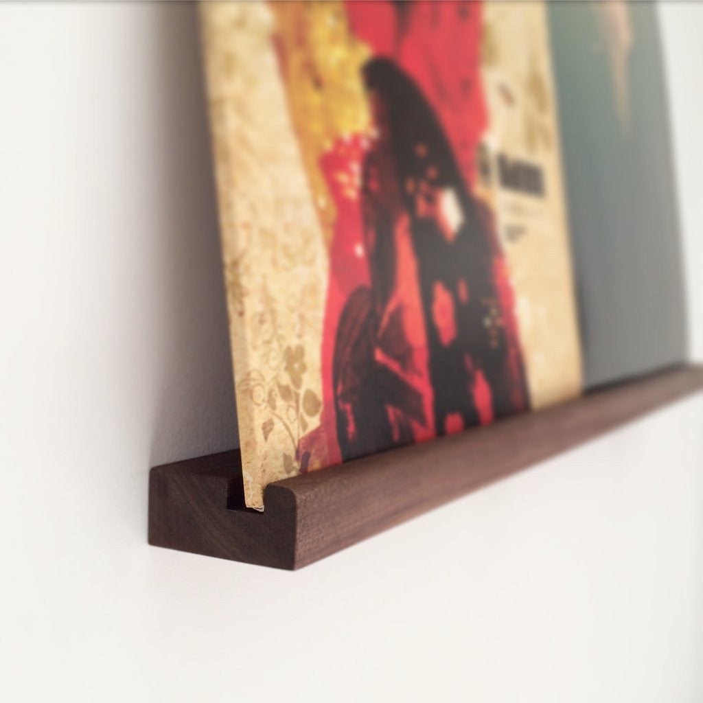 Nicole David: Record Shelf - Single / Walnut