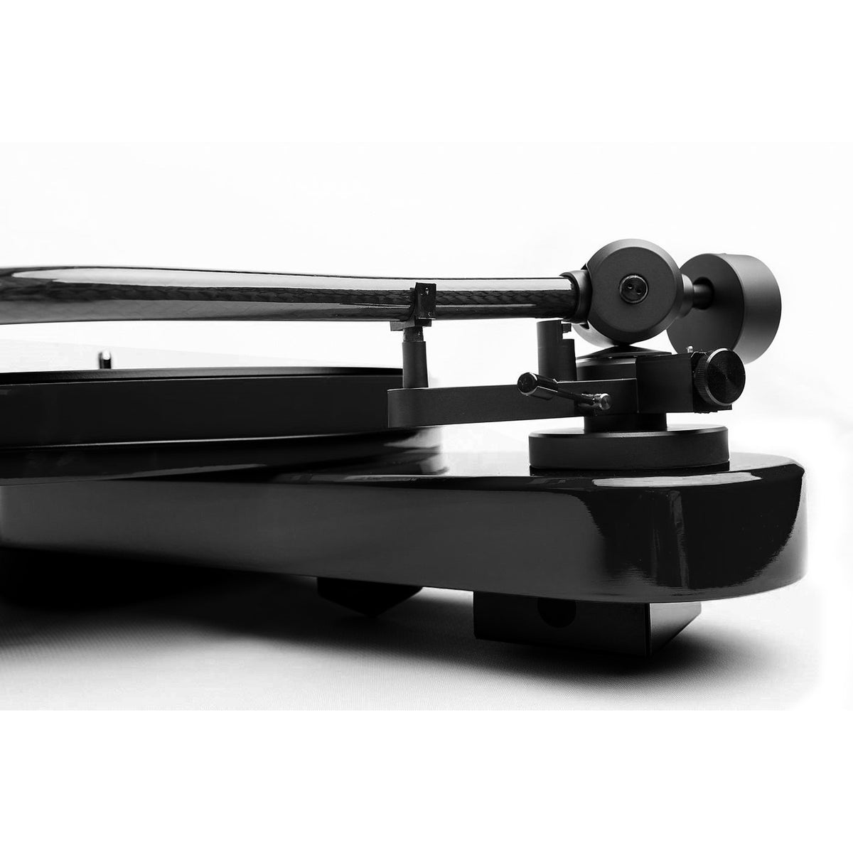 Pro-Ject: RPM 3 Carbon Turntable w/ Blue Point No.2 Cartridge - Black (RPM3)
