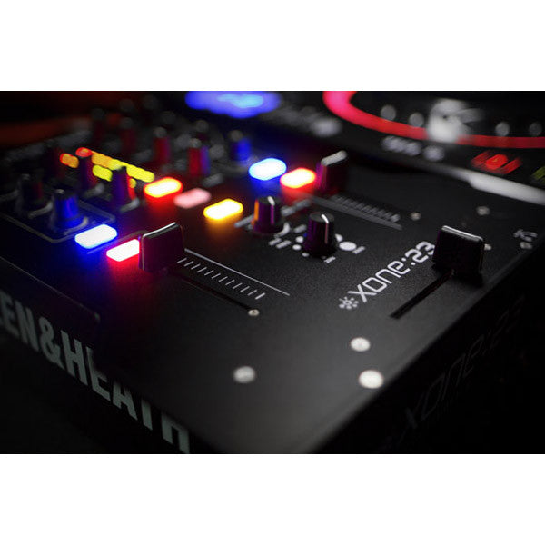 Allen & Heath: Xone:23 Mixer close up 1