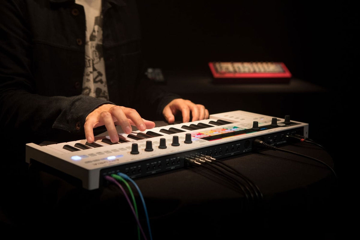 Arturia: KeyStep Pro Portable Keyboard Controller + Step Sequencer