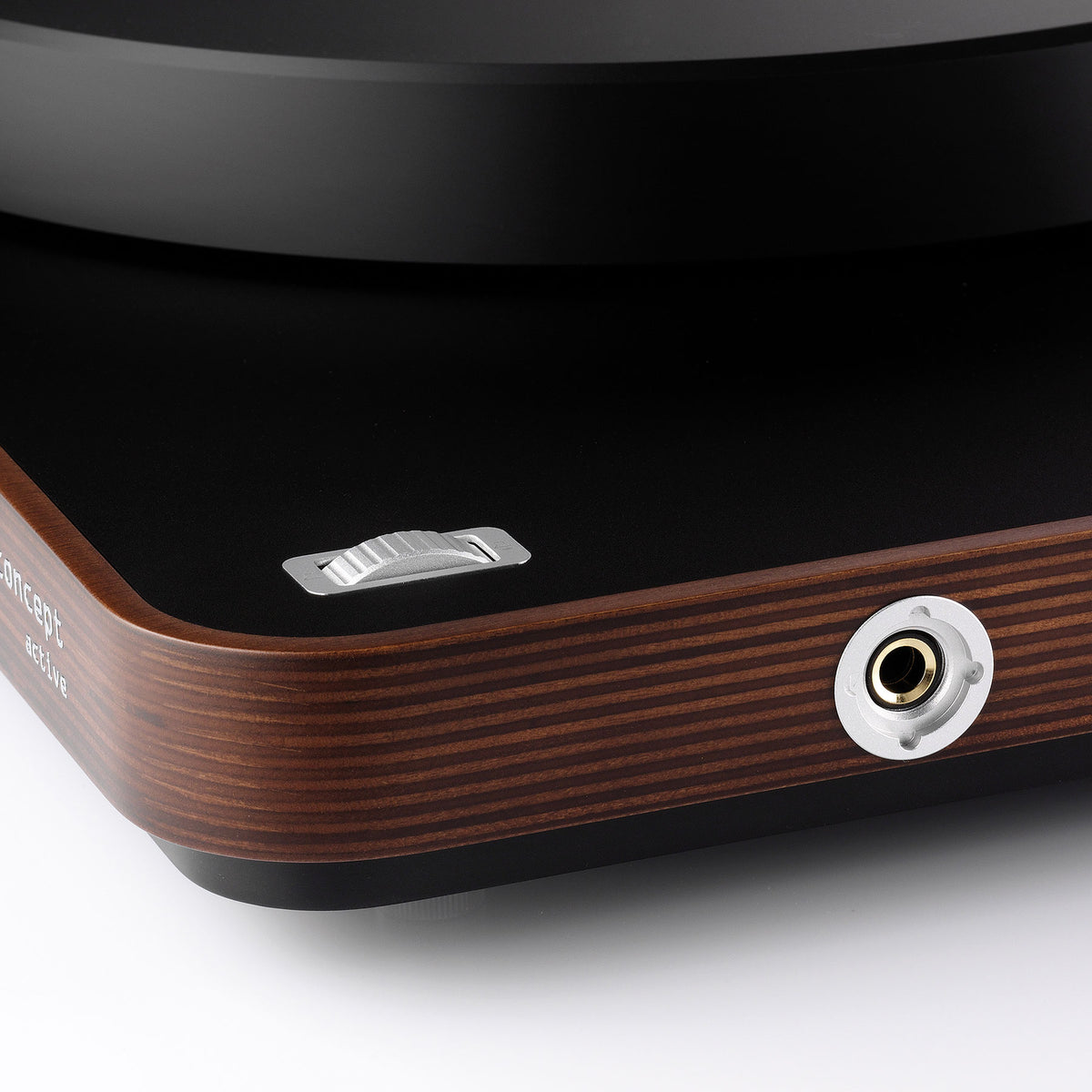Clearaudio: Concept Active Wood Turntable - Dark Wood