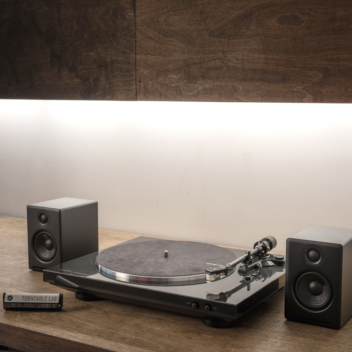 Denon: DP-300F Turntable