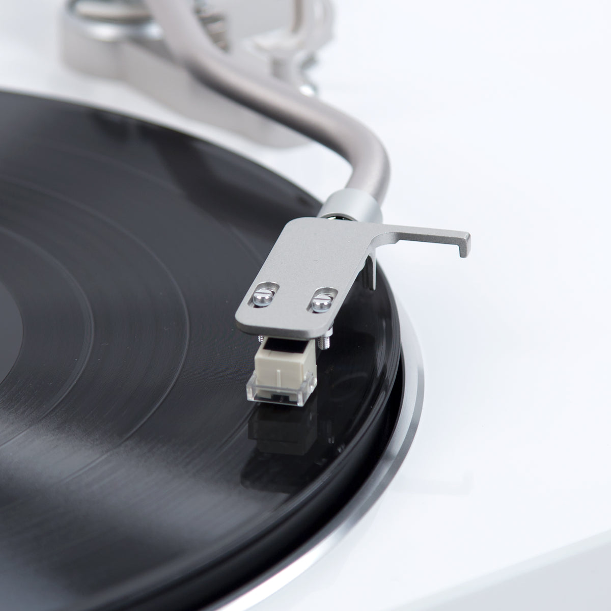 Denon: DP-450USB Turntable - White (DP450USBWT) cart