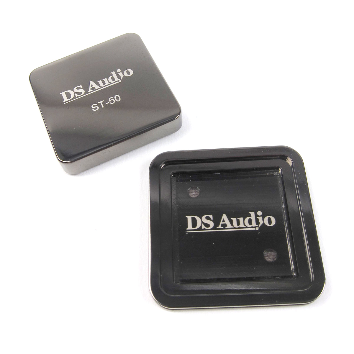 DS Audio: ST50 Phono Stylus Cleaner open