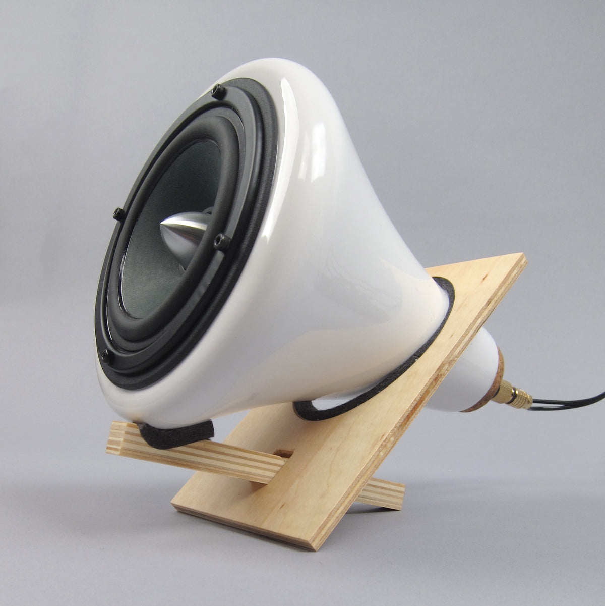 Joey Roth: Ceramic Speakers + Amplifier