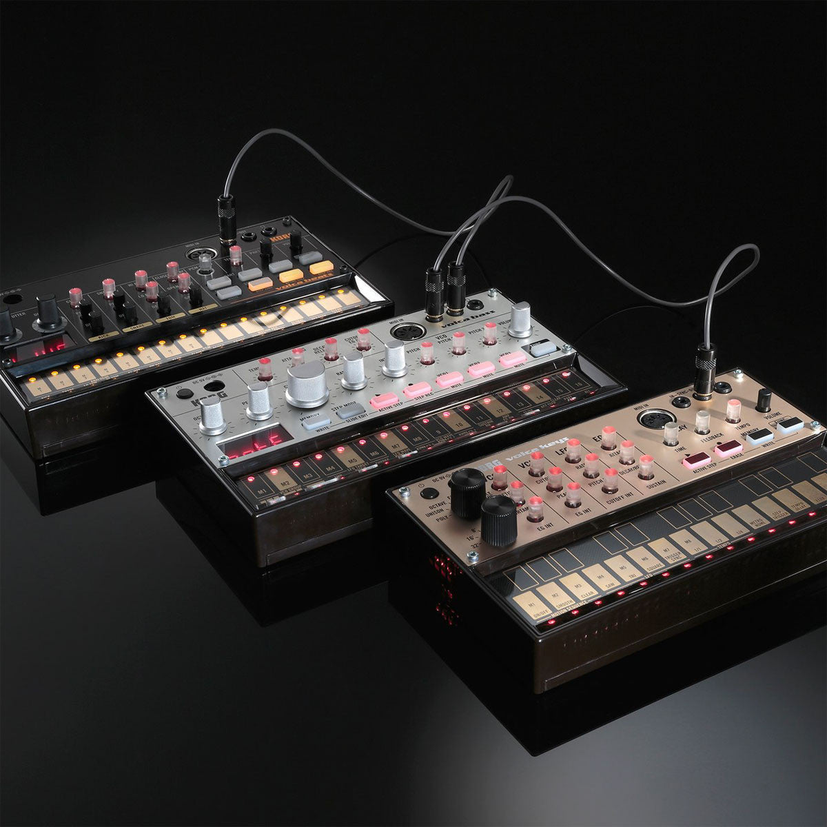 Korg: Volca Bass Analogue Bass Machine linked
