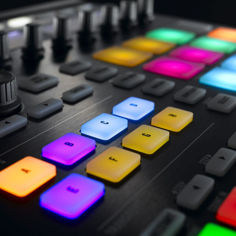 Native Instruments: Maschine MK2 Groove Production Studio detail