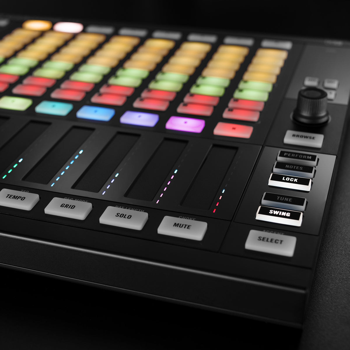 Native Instruments: Maschine Jam Production And Performance System