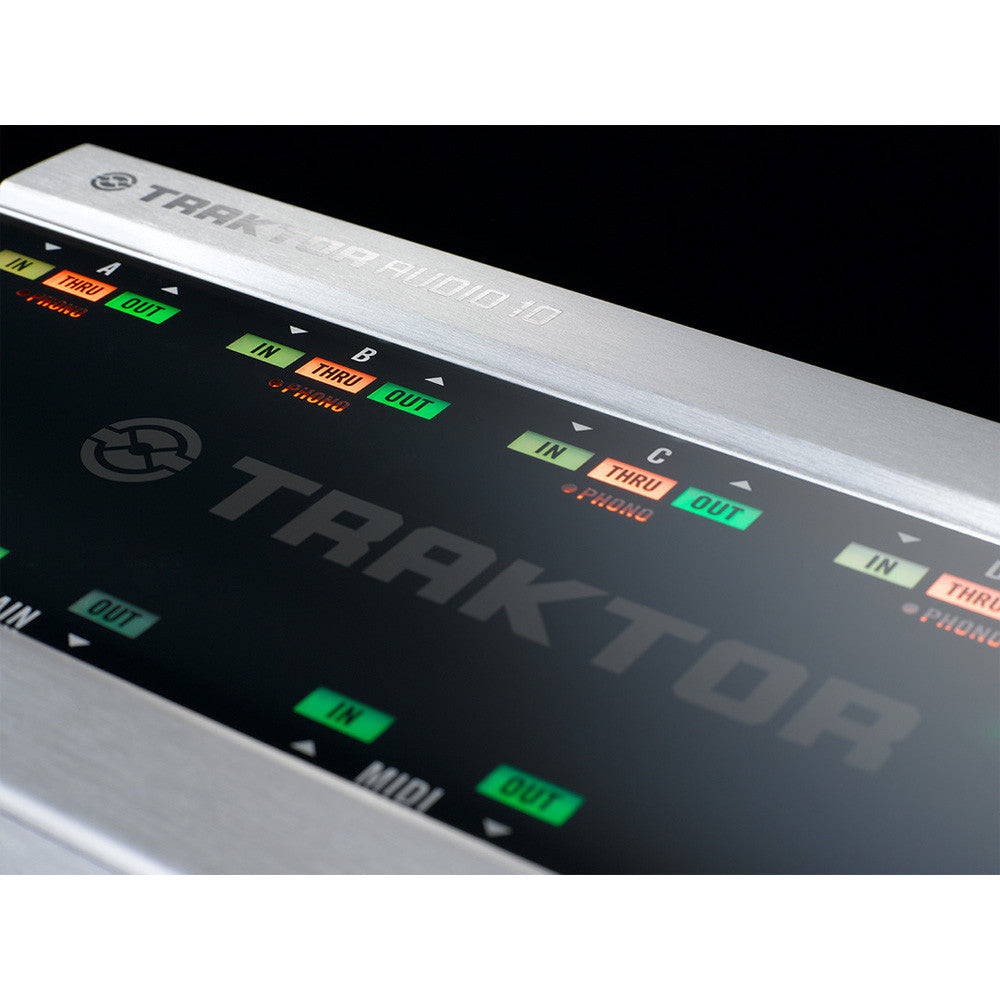 Native Instruments: Traktor Scratch A10 Digital DJ System detail