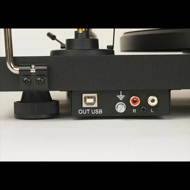 Pro-Ject: Debut Carbon DC USB Turntable Outputs