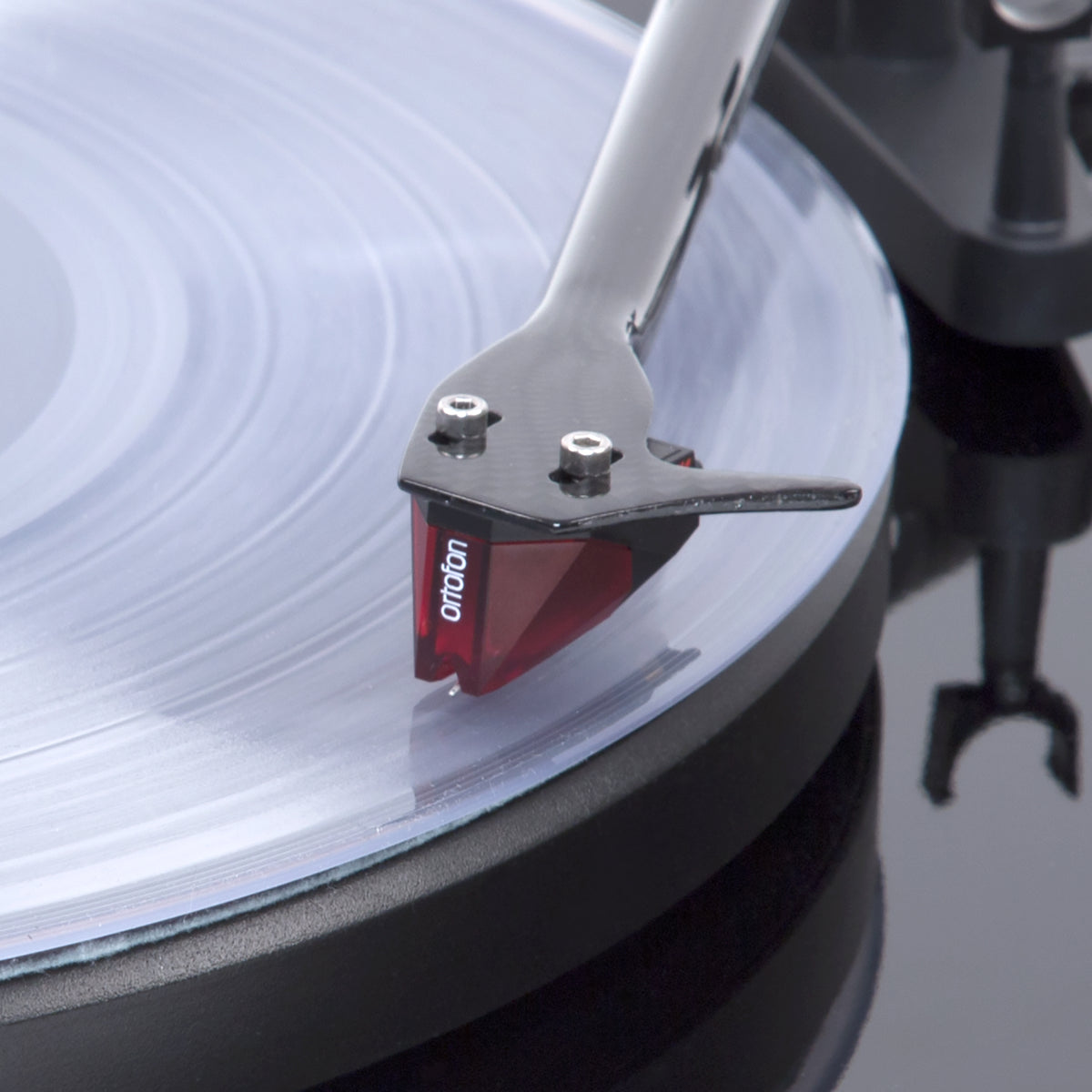 Pro-Ject: Debut Carbon DC Turntable - Gloss Black cart