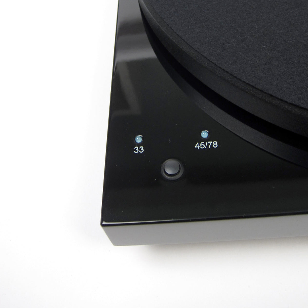 Pro-Ject: Debut III RecordMaster USB Turntable (OM10) - Walnut