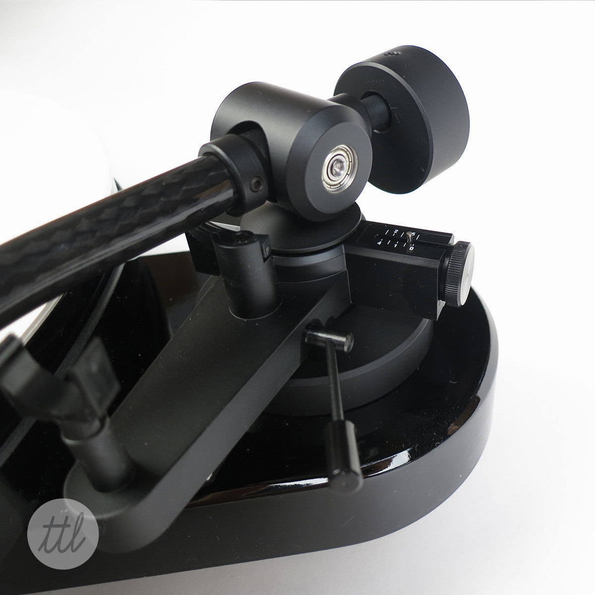 Pro-Ject RPM1 Turntable - Detail 1