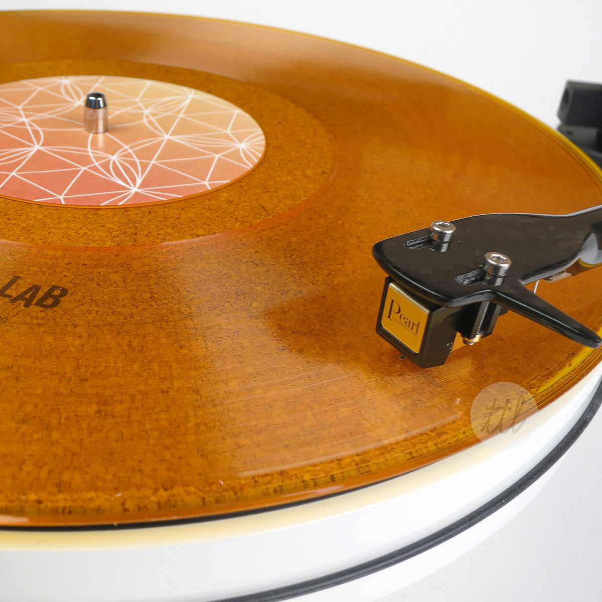 Pro-Ject: RPM 3 Carbon Turntable - White / Pearl Cartridge (RPM3)