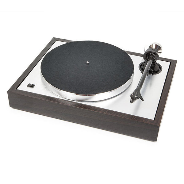 Pro-Ject: The Classic Sub-Chassis Turntable (2M Silver) - Eucalyptus