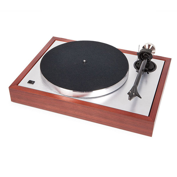 Pro-Ject: The Classic Sub-Chassis Turntable (2M Silver) - Rosenut