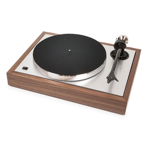 Pro-Ject: The Classic Sub-Chassis Turntable - Walnut