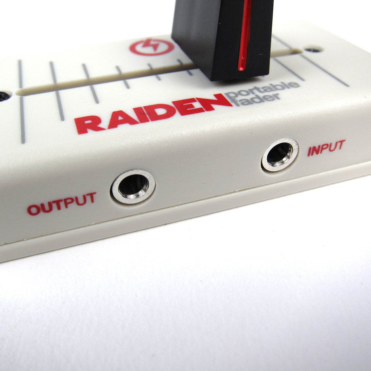 Raiden: VVT-MK1 Portable Fader - White / Red