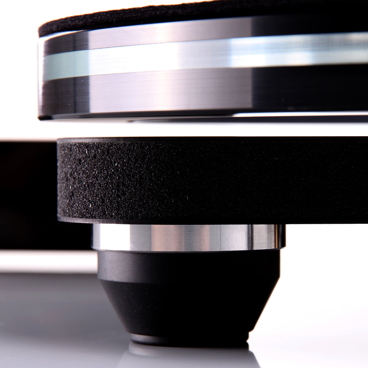 Rega: Planar 8 Turntable