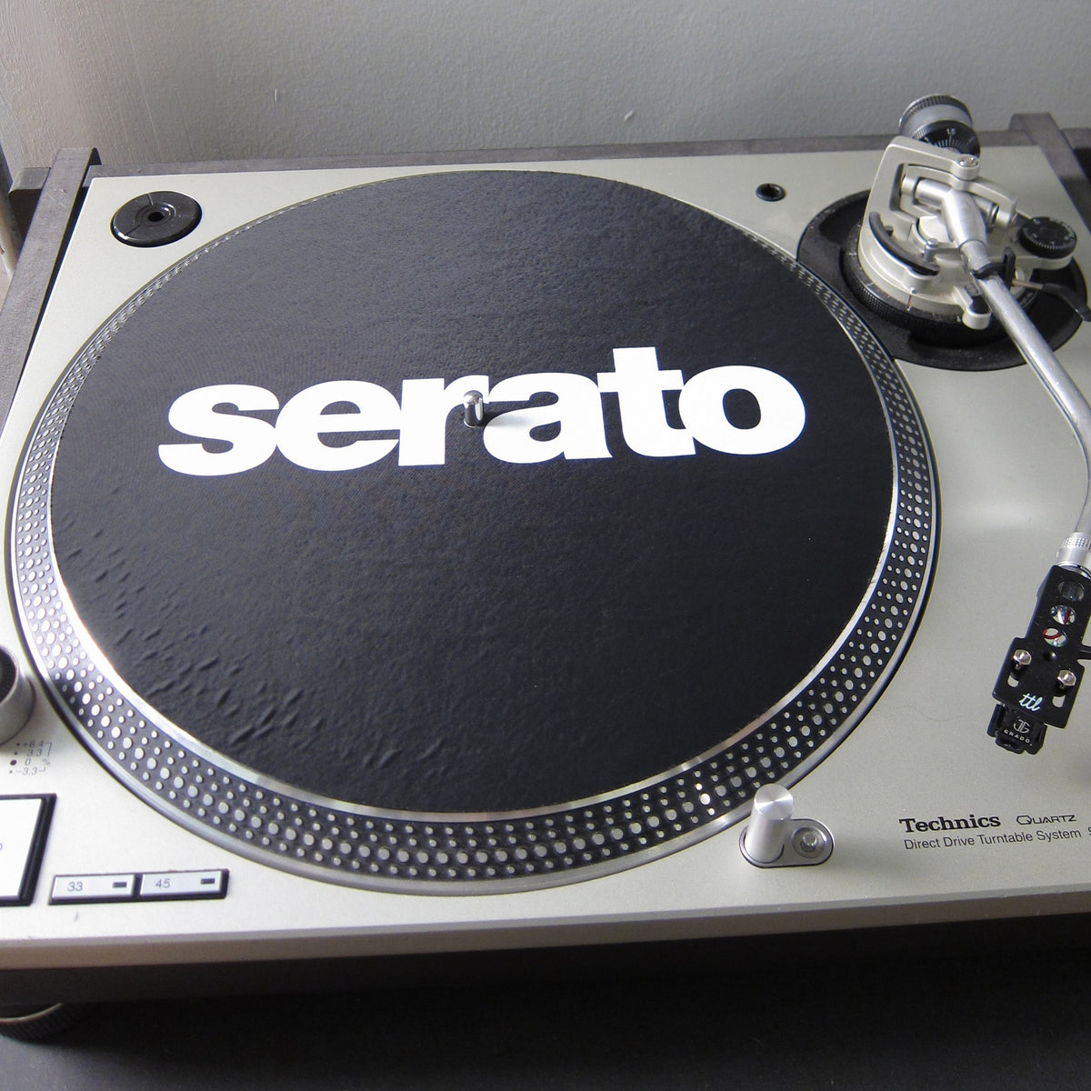 Serato: Official Butter Rugs Slipmats - Black (Pair)