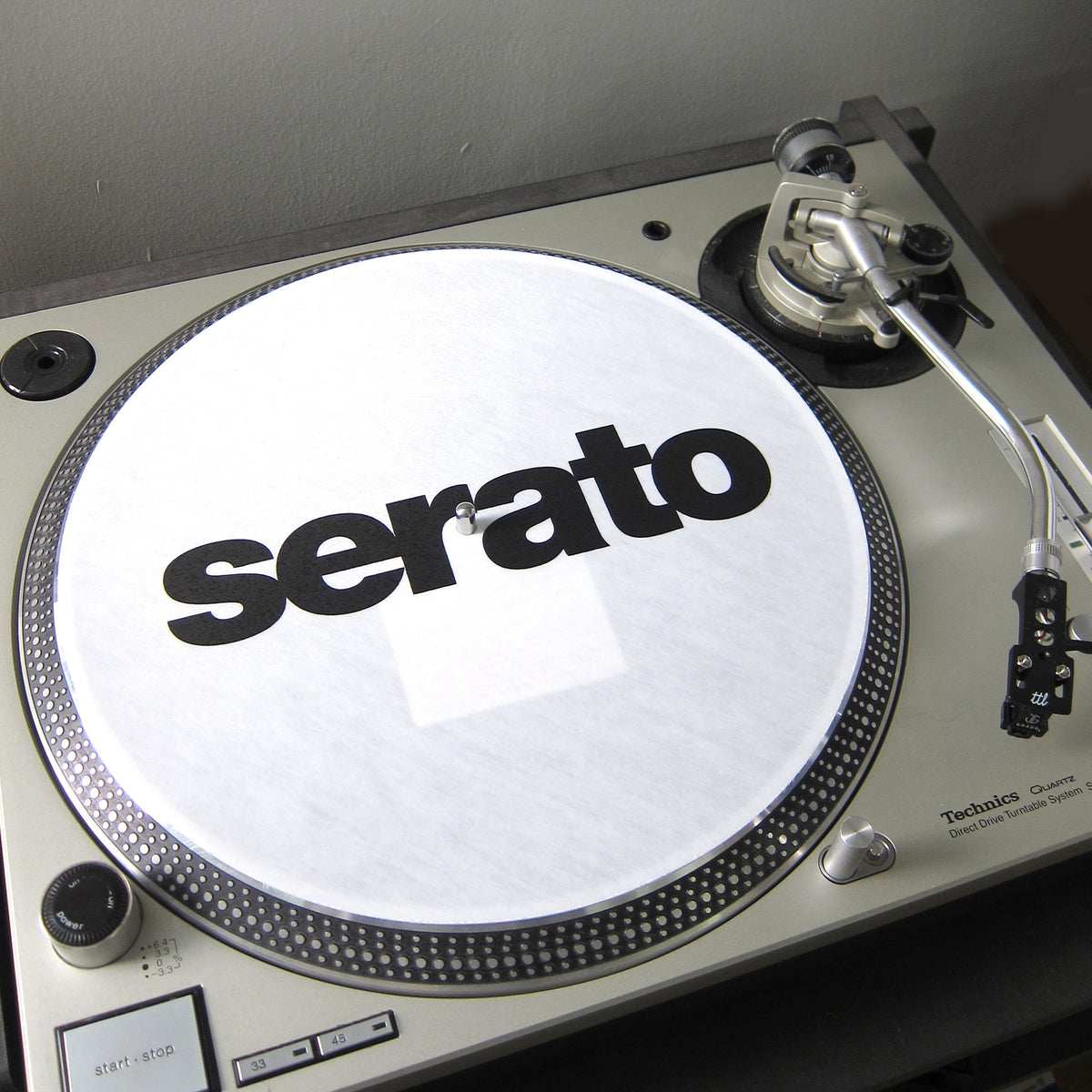 Serato: Official Butter Rugs Slipmats - White (Pair)