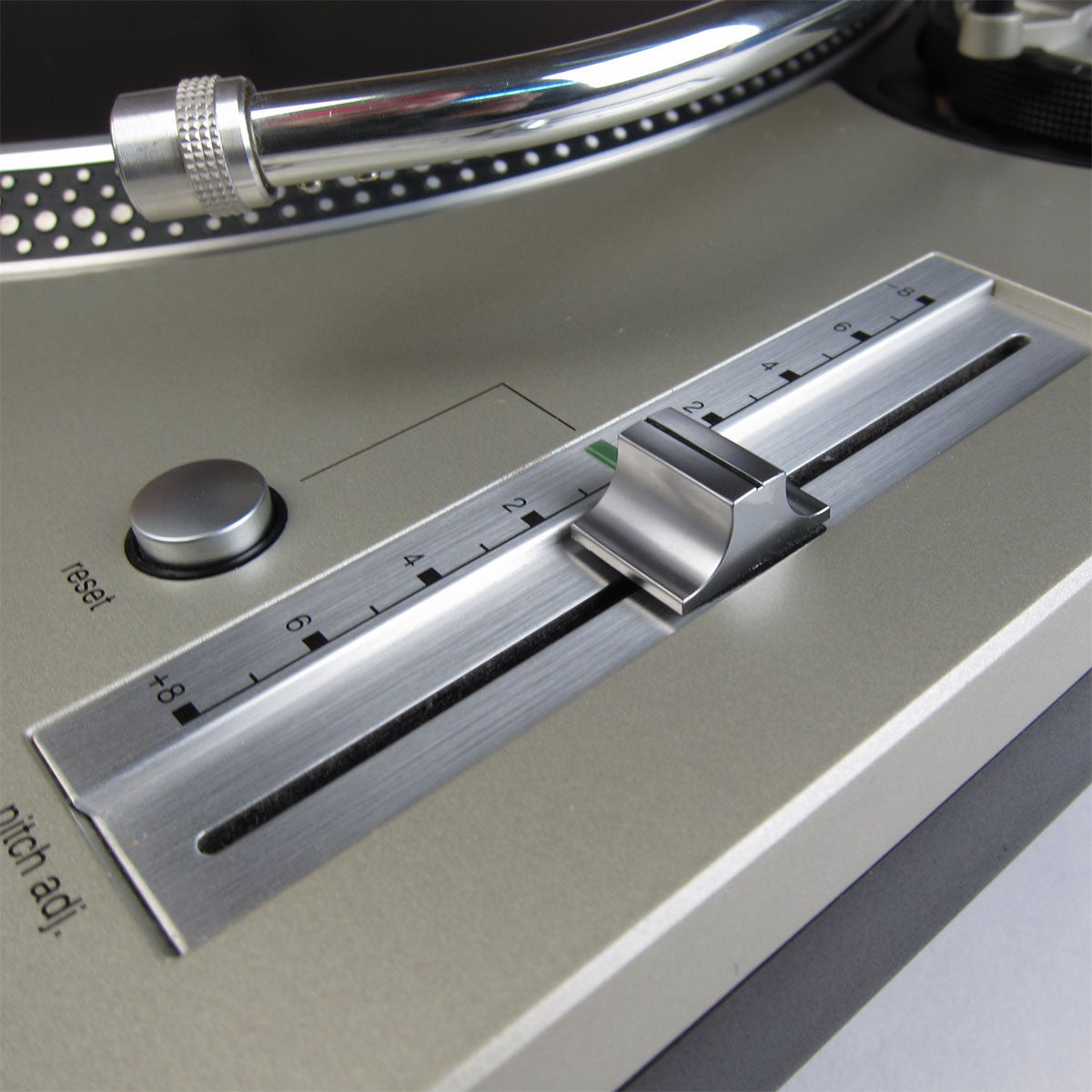 Technics: SL-1200MK5 Turntable - MCC Refurbished pitch