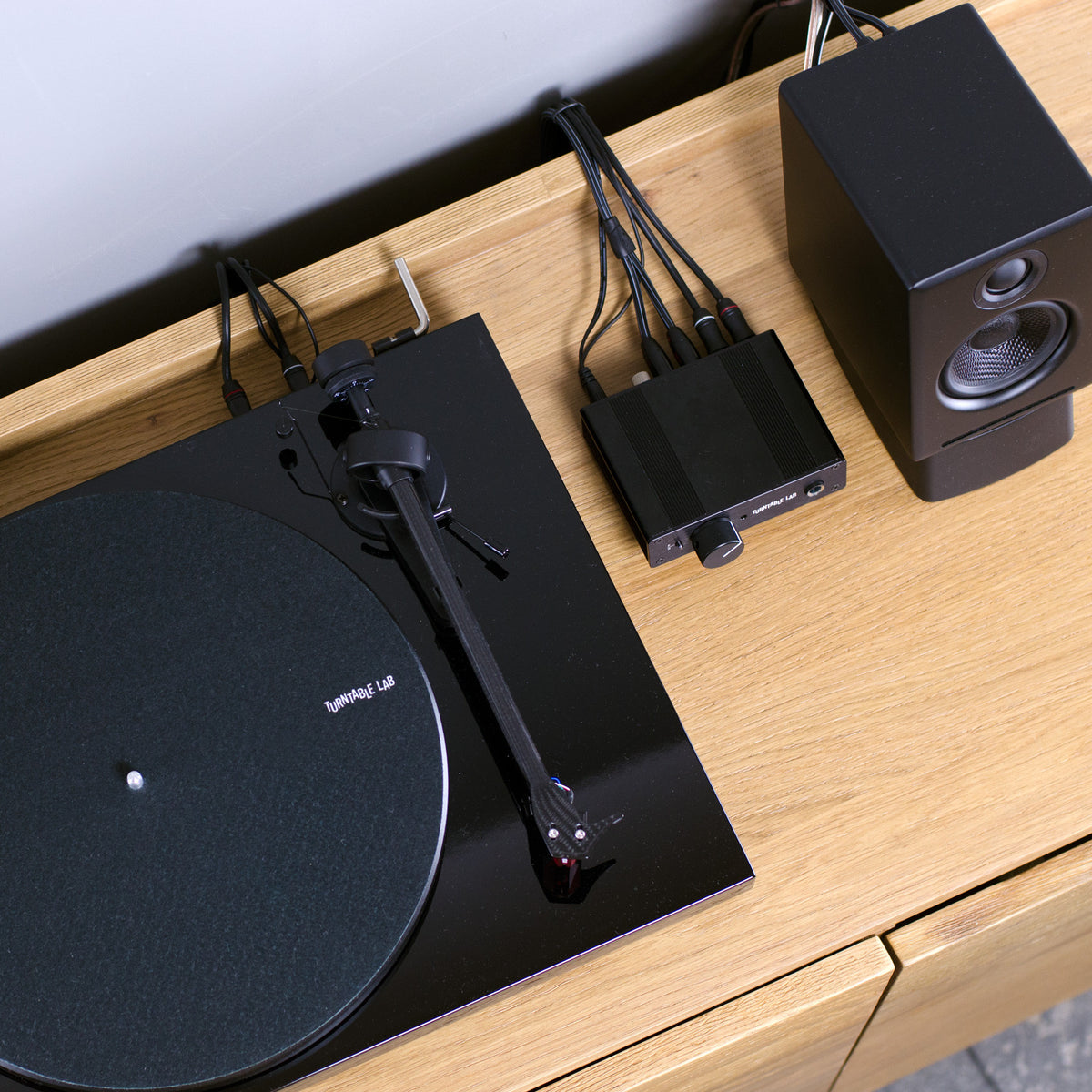 Turntable Lab: PH01 - Phono Preamp + Headphone Amp