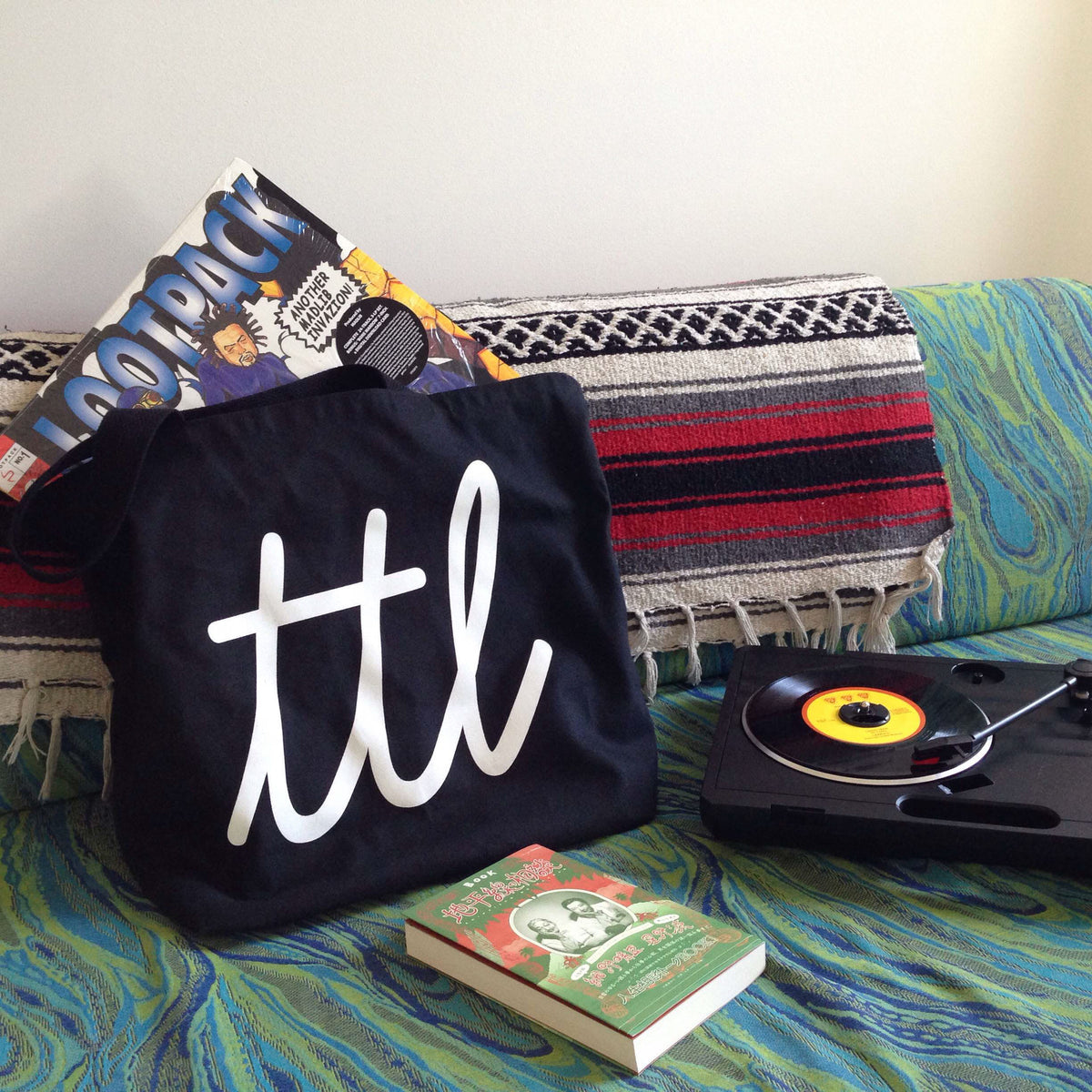 Turntable Lab: Cursivo Superior Tote Bag