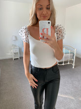 Load image into Gallery viewer, Sophia Spot Puff Sleeve Crop Top