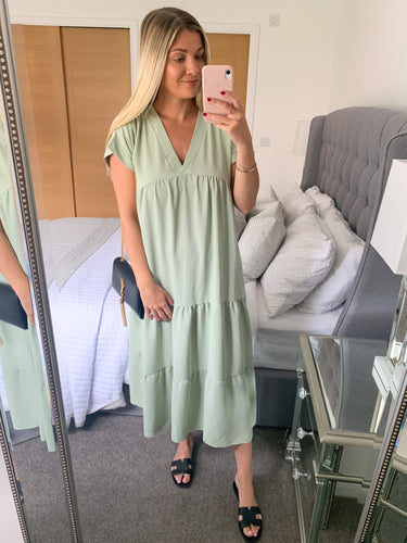 Mabel Fern Green Tiered Midi Dress