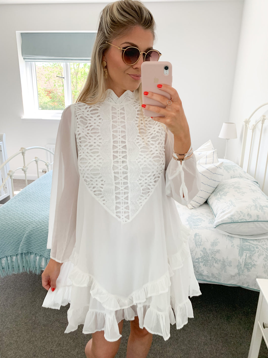 ISABELLE WHITE LACE SMOCK DRESS
