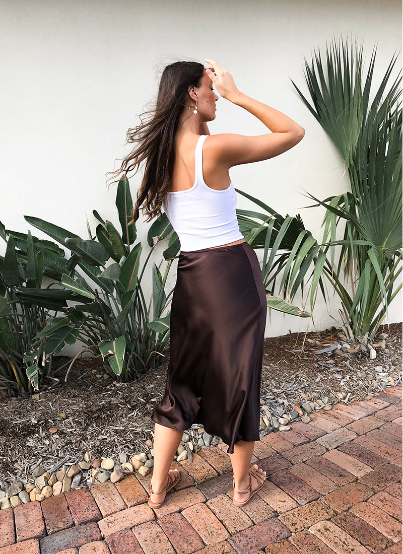 THE EVIE BIAS SKIRT SEWING PATTERN BY TESSUTI. SEWN BY THE HEMMING. HANDMADE SILK SLIP