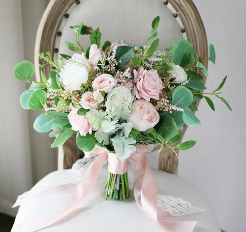 White & Blush Wedding Flowers