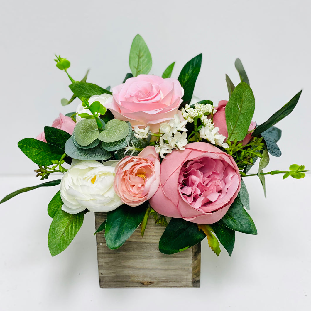 Mauve & Dusty Rose Centerpiece