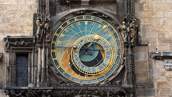 horloge antique astronomique prague