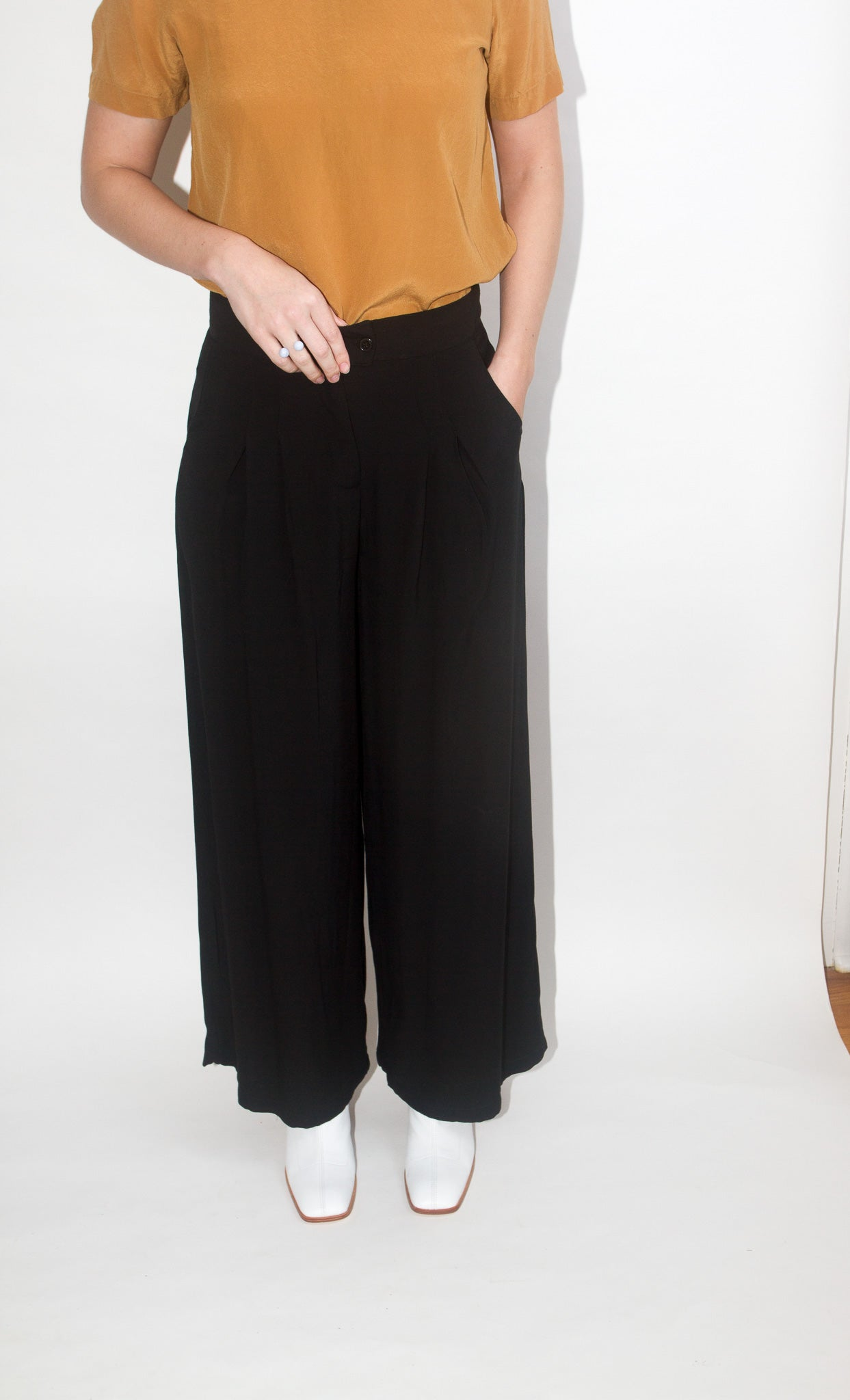 Pleated Pant in Black
