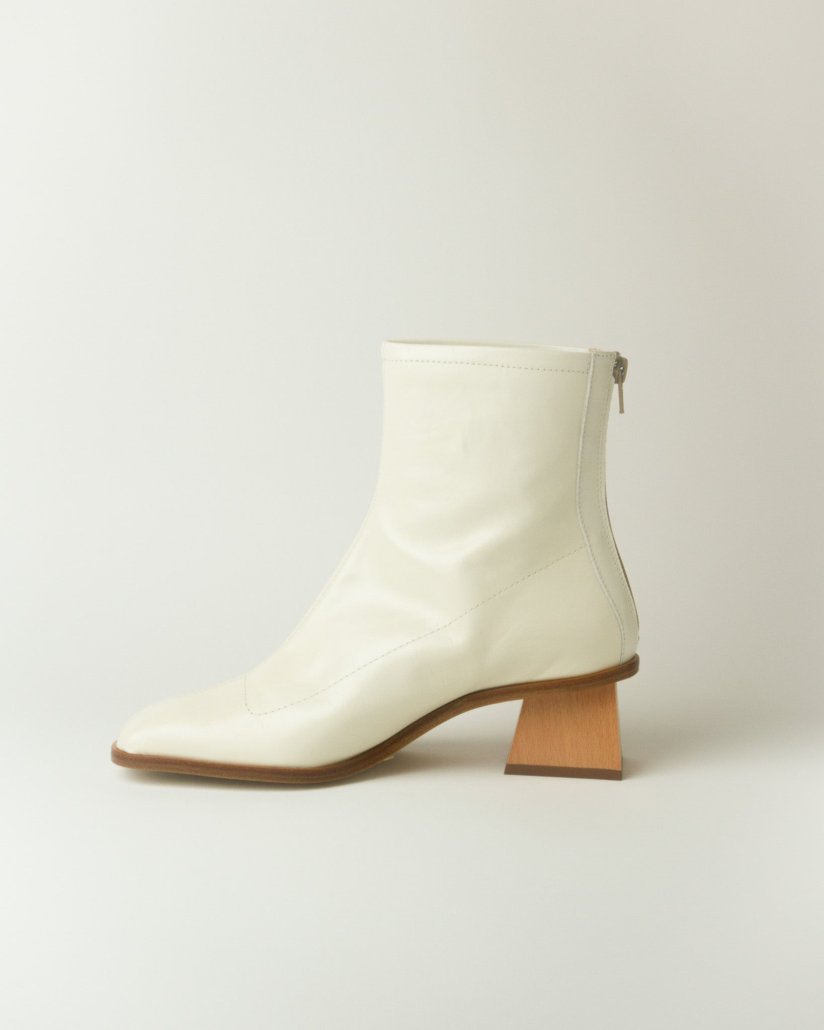 Saturno Boot in Cream