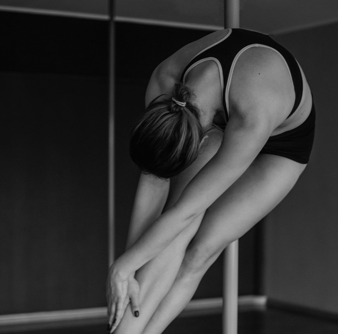 10 Inspiring Pole Dancers You Should Be Following on Instagram