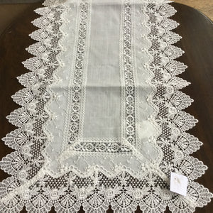 Table Linen Tina