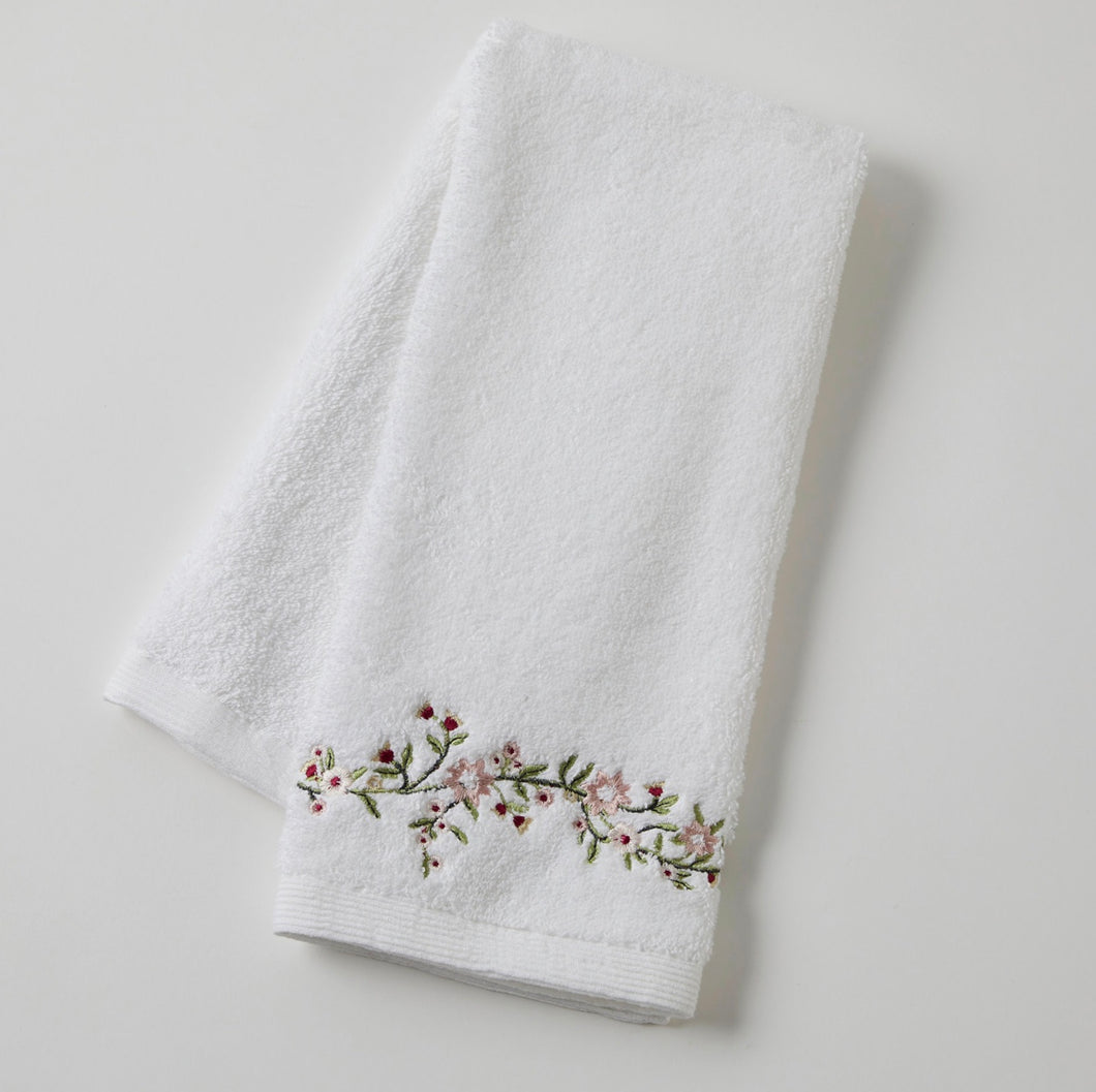 Trailing Rose Hand Towel
