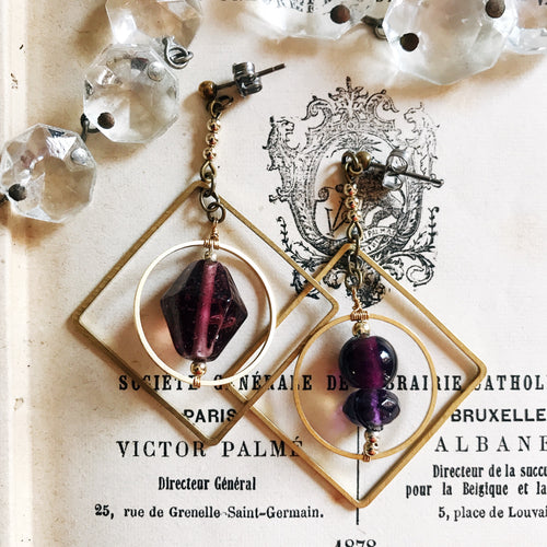 Chandelier earrings -purple-