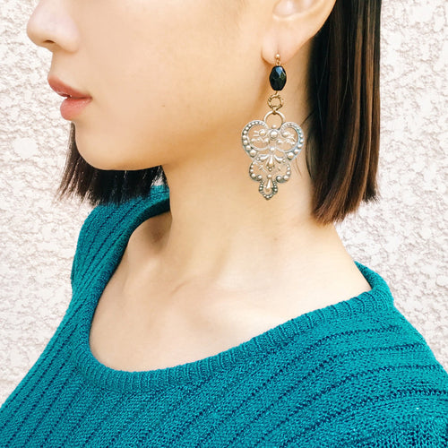 Embossing earrings