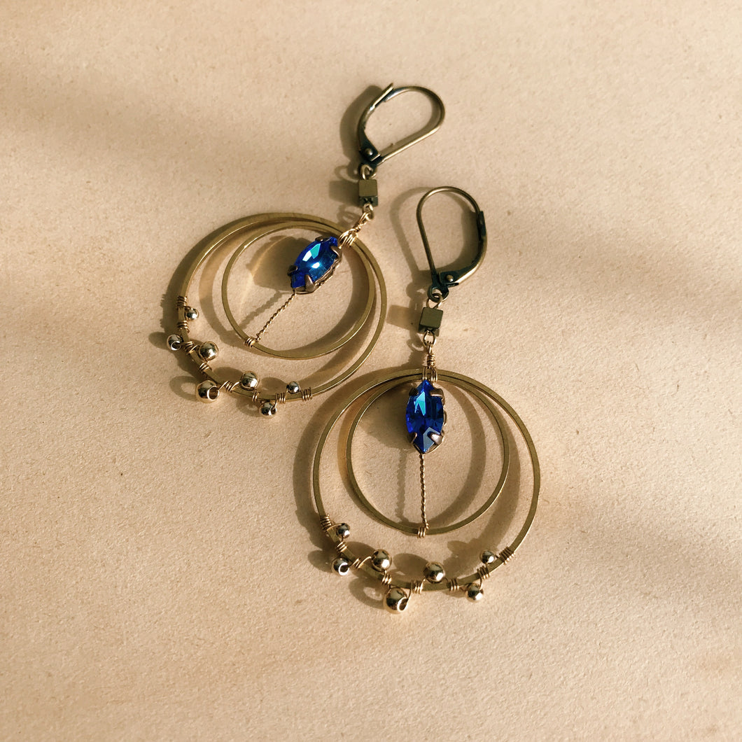 Crescent earrings -small-