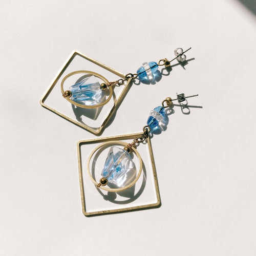 Chandelier earrings -lightblue-