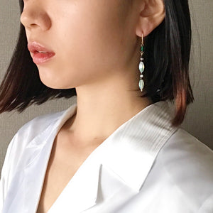 Line earrings -green-
