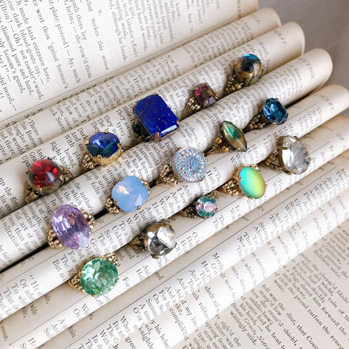 Cabochon ring -pale color-