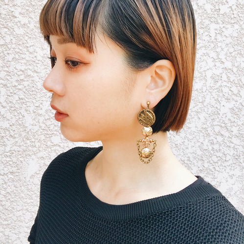 Vintage earrings -gold-